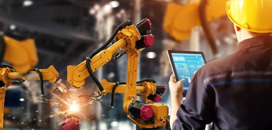 Integracja i programowanie robotów przemysłowych